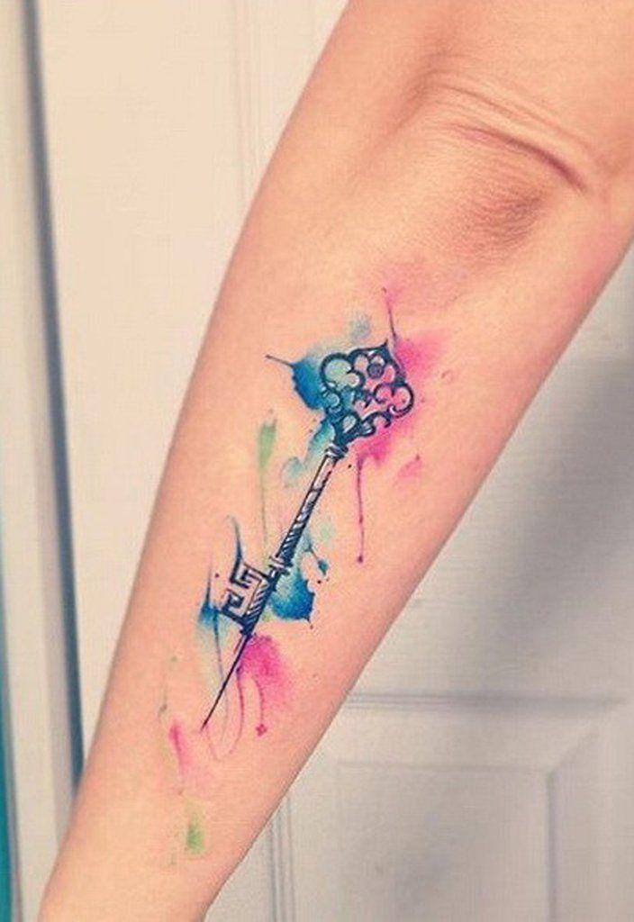 tatuaje acuarela de llave