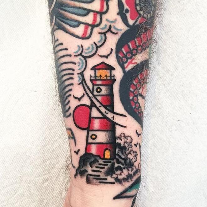 tatuaje de faro con estilo oriental