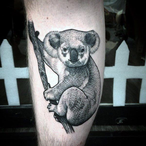 tatuaje de koala en la pierna