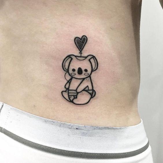 tatuaje de koala y corazon