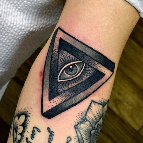 tatuaje del ojo illuminati