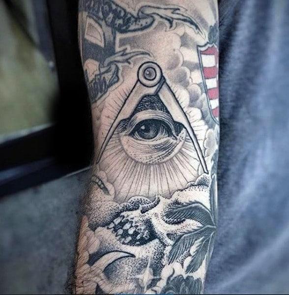 tatuaje el ojo de la providencia