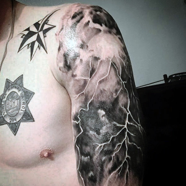 tatuaje de rayo realismo