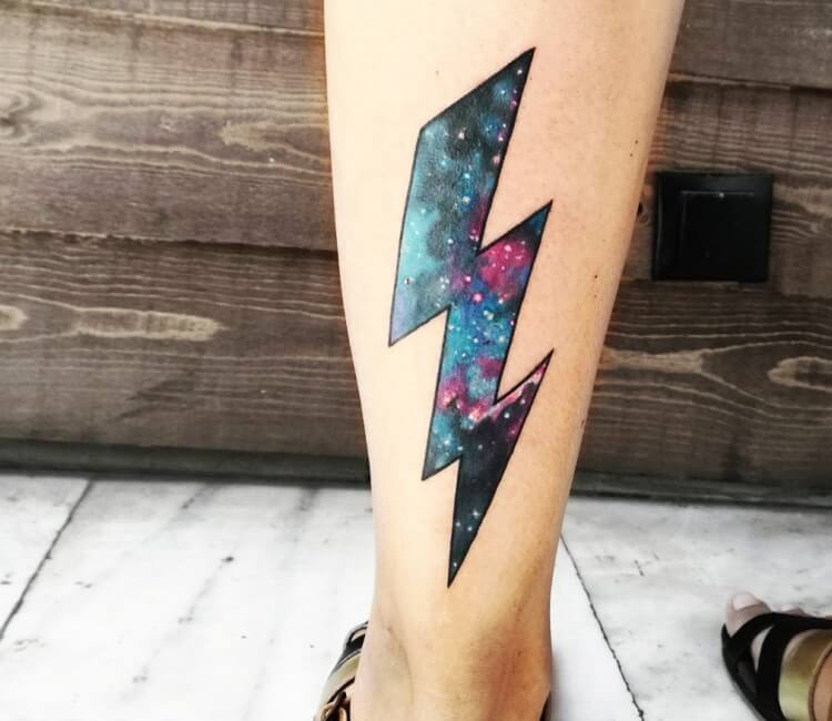 tatuaje de rayo relleno