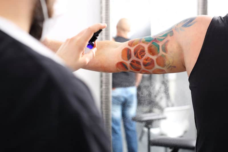 aceites para cuidar tatuajes
