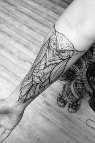 tatuaje de buho original para mujer