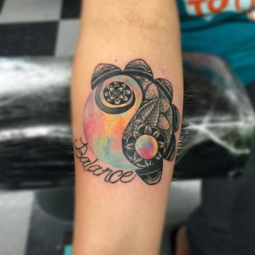 tatuaje yin yang balance