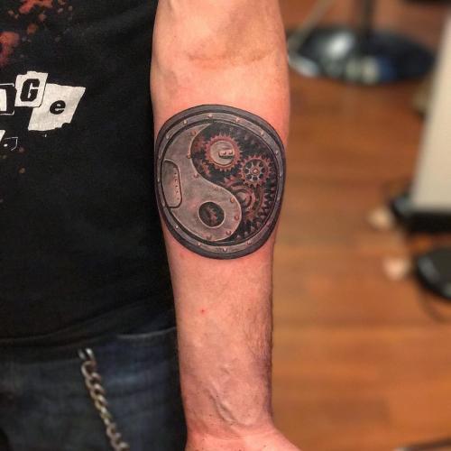 tatuaje yin yang mecanico